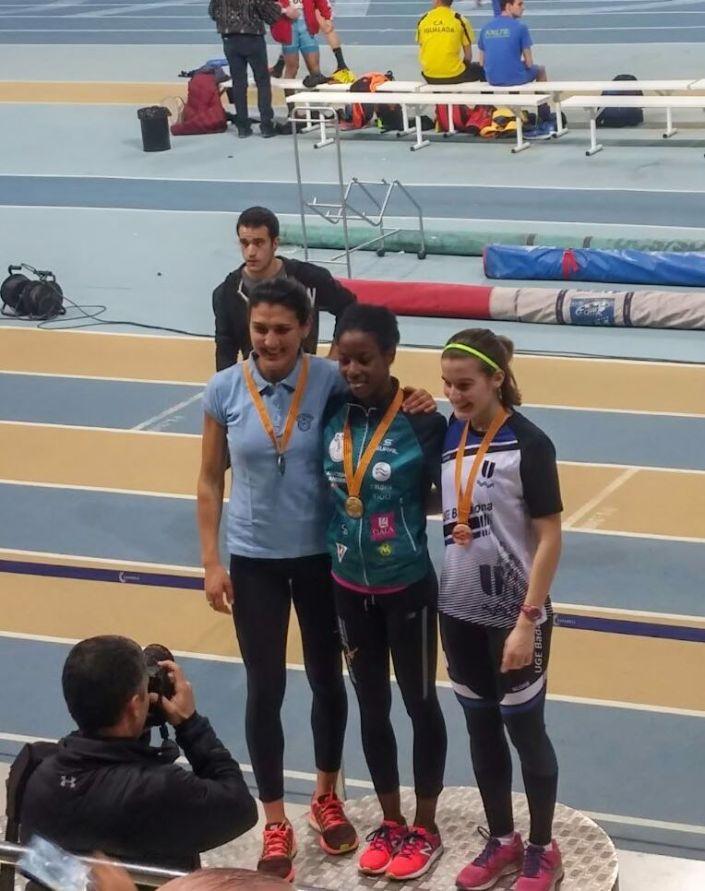 sara_podium